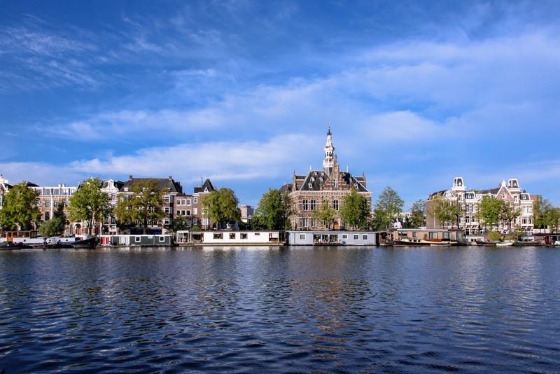 Amsterdam Amstel river.jpg