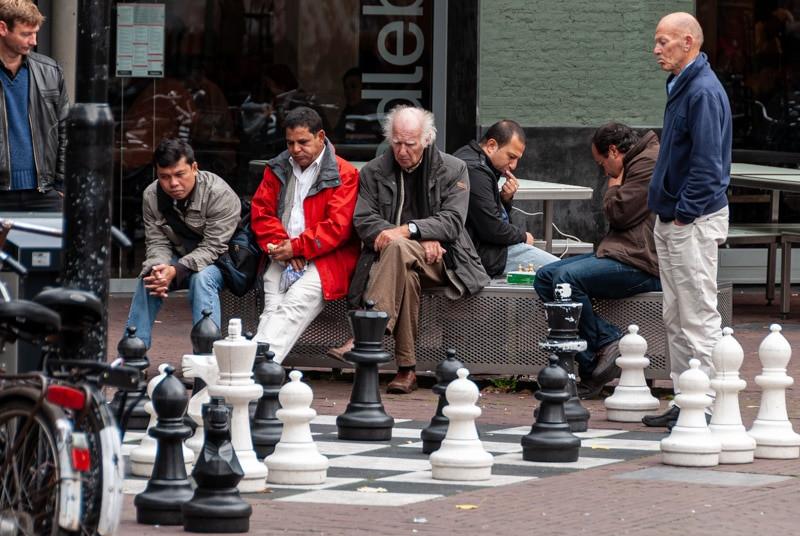 Amsterdam chess players.jpg