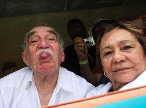 A subasta más de 400 prendas de García Márquez