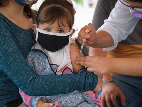 Vacunas anti-Covid para TOOODOS los niños, ordena Juez