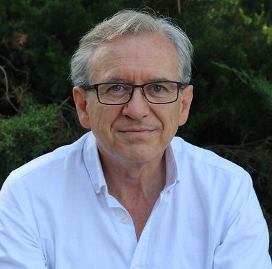 javier Dols Juste, Médico y escritor