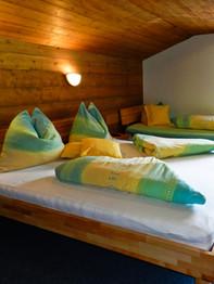 Schlafzimmer Olperer2.jpg