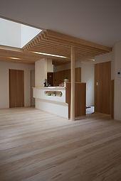 秋田の家 モダン キッチン リビング 自然素材
