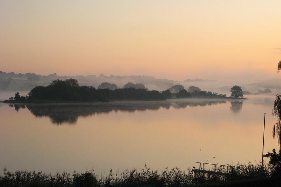 Trammer See im Morgennebel