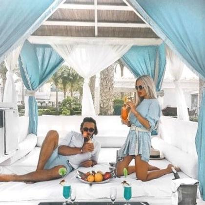 Influencers Mr & Mrs Monnet review influencer marketing platform
