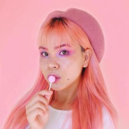 influencer @cloesshi for Luminess Cosmetics