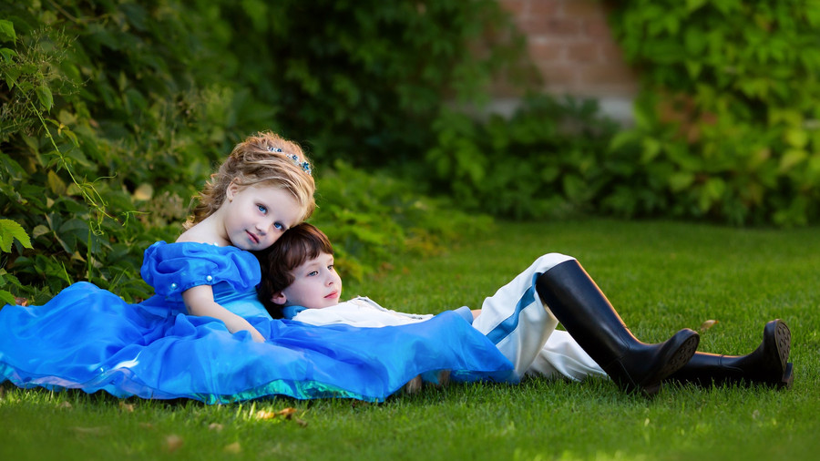 Kids as cinderella and prince.jpg