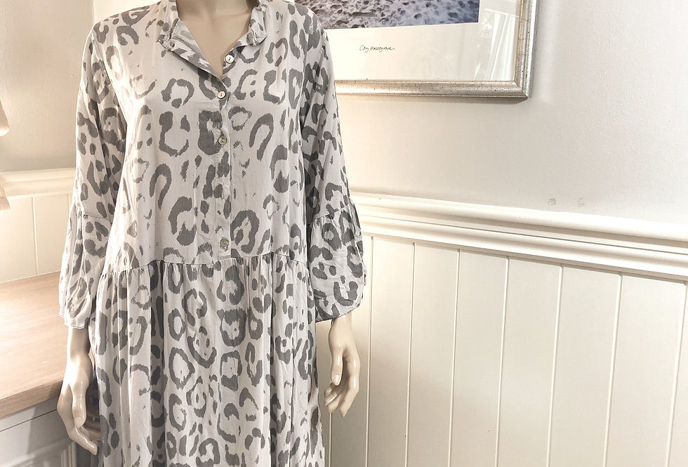 Chloe Maxi Dress with Leoprint in Grey