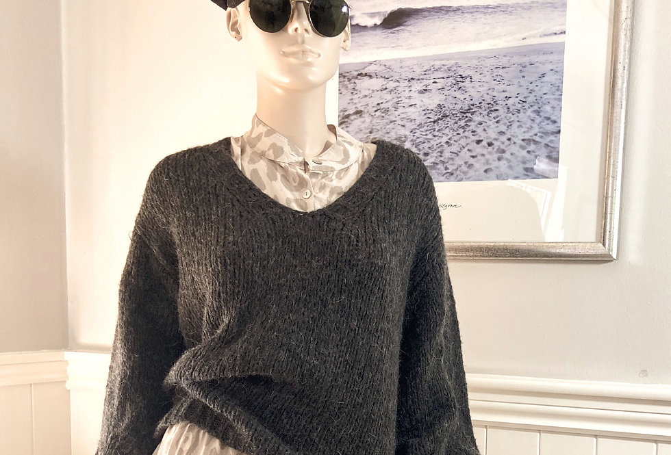 Jenny Balloon Sleeve Sweater in Charcoal Grey