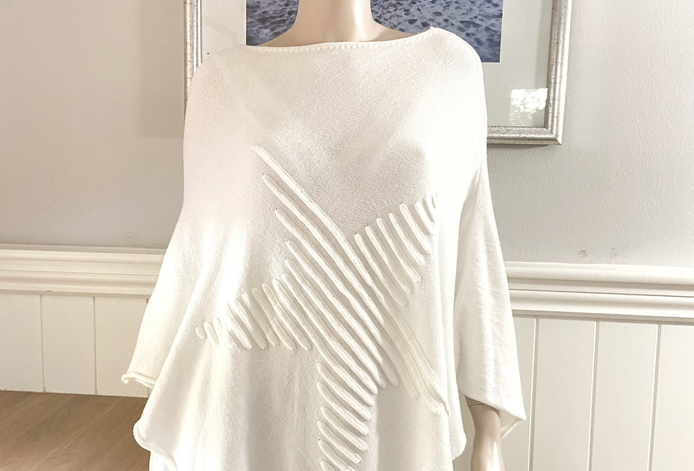 Lilly Star Poncho in Winter White