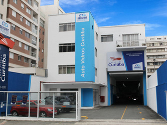 AUTOVIDROS CURITIBA, DA REDE DE SERVIÇOS SEKURIT PARTNER, COMEMORA 60 ANOS DE ATIVIDADES