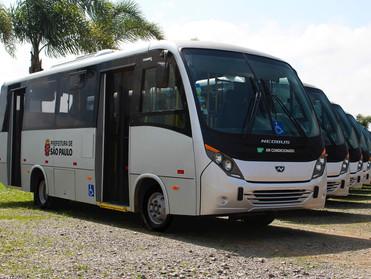 NEOBUS FORNECE 12 MICROS THUNDER + PARA NORTE BUSS TRANSPORTE, DE SÃO PAULO
