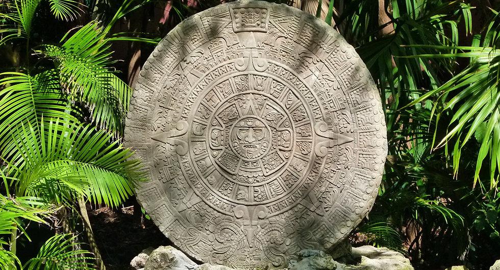 Hola-Mexico-Aztec-Calendar_02.jpg