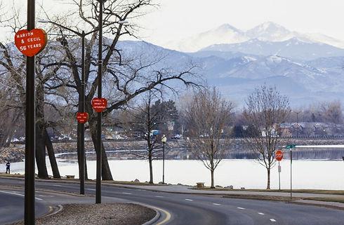 valentines-day-loveland-co-streetlamp-hearts-1600x800_edited.jpg