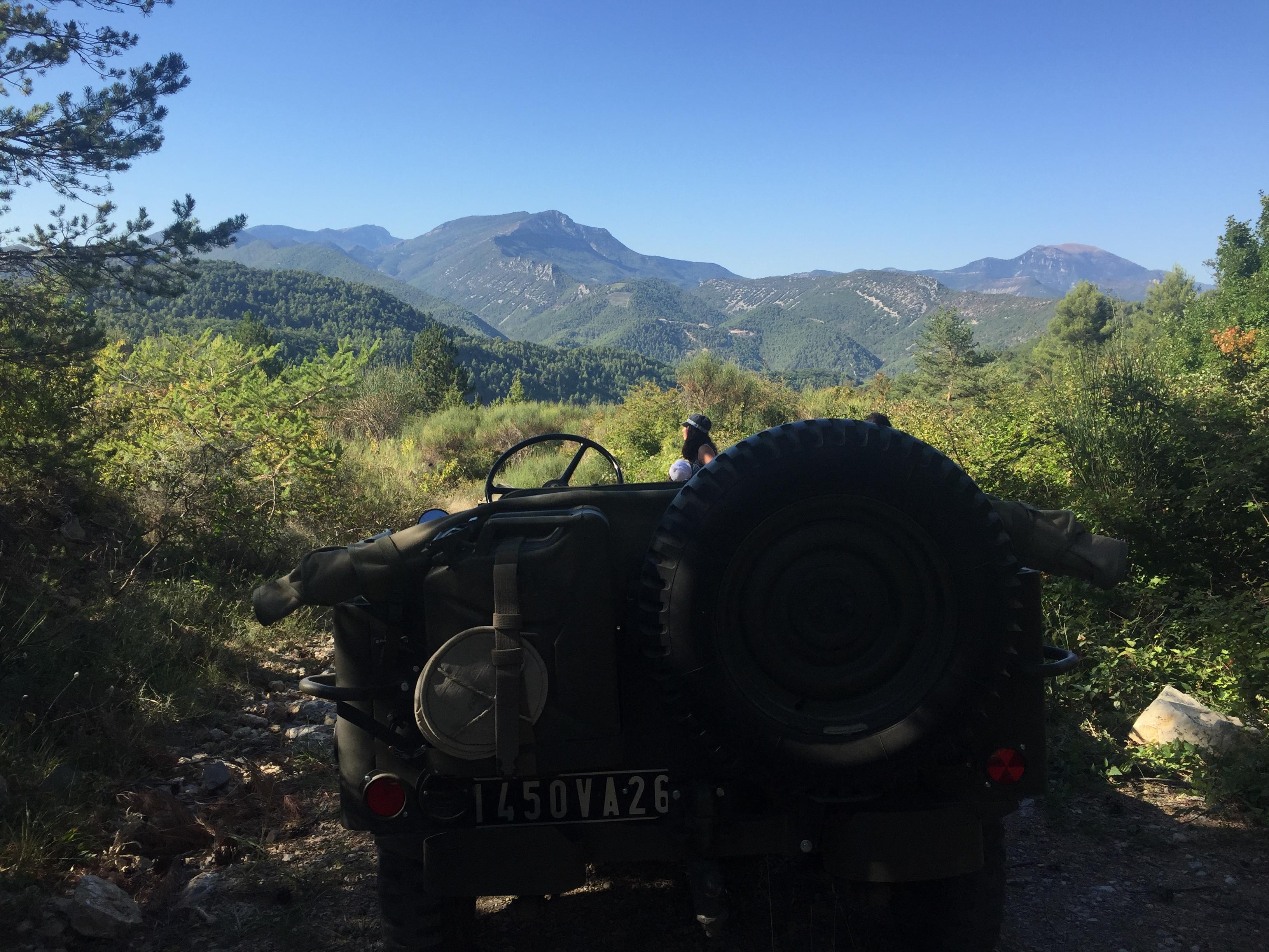 Entouré de collines