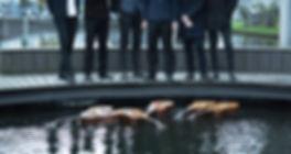 CRAS guitar ensemble - Moderne klassisk musik. Fotoshoot med Sekst danske guitarister i Ørestaden i København. Søren Eriksen, Santiago Gutierrez Bolio, Henrik Bay Hansen, Jacob Nørrelund, Mathias Klarlund, Mikkel Egelund. Fotograf Trine Pihl Stanley