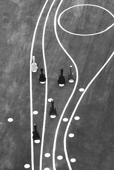 CRAS guitar ensemble - Moderne klassisk musik. Seks guitarer på streger og prikker i Ørestaden. Søren Eriksen, Santiago Gutierrez Bolio, Henrik Bay Hansen, Jacob Nørrelund, Mathias Klarlund, Mikkel Egelund. Fotograf Trine Pihl Stanley