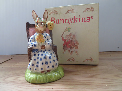 (Pre-owned) Susan Bunnykins as Queen of the May