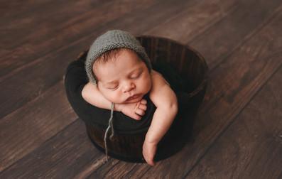 NewbornSession (20).jpg