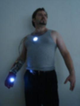 ironman_arc_reactor_and_repulsor_gauntle