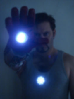 ironman_arc_reactor_and_repulsor_gauntle