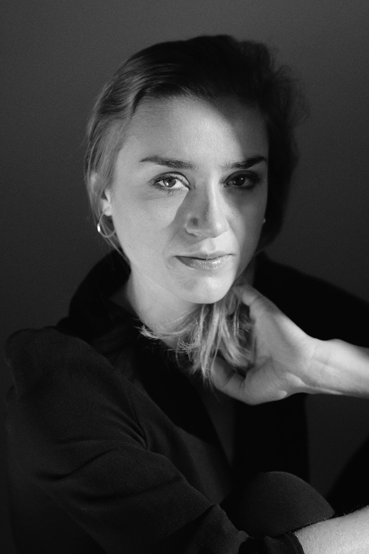 elma bouthors, actrice, comédienne, photographie, inanis, book portrait noir et blanc