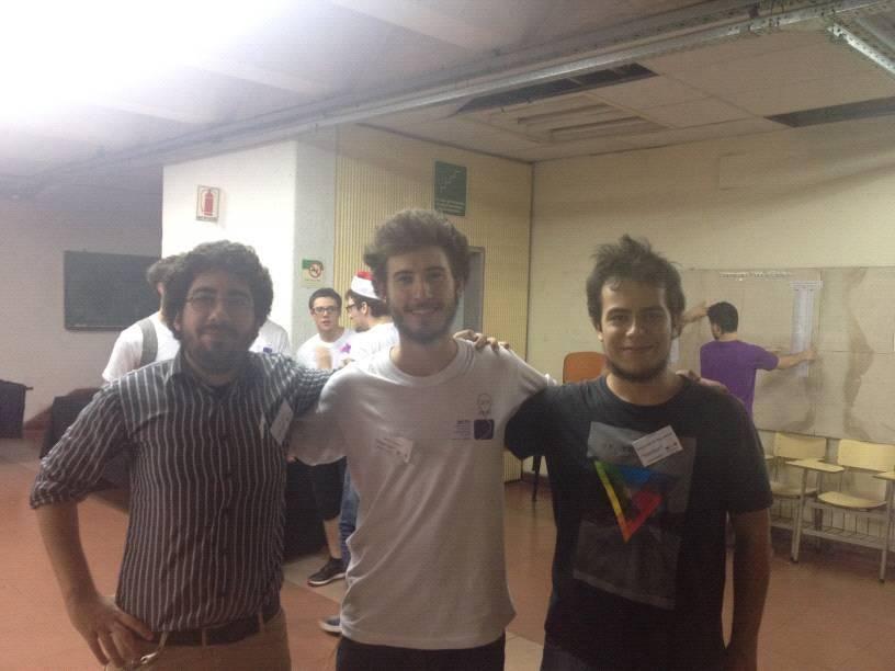 Martin junto a los integrantes de su equipo