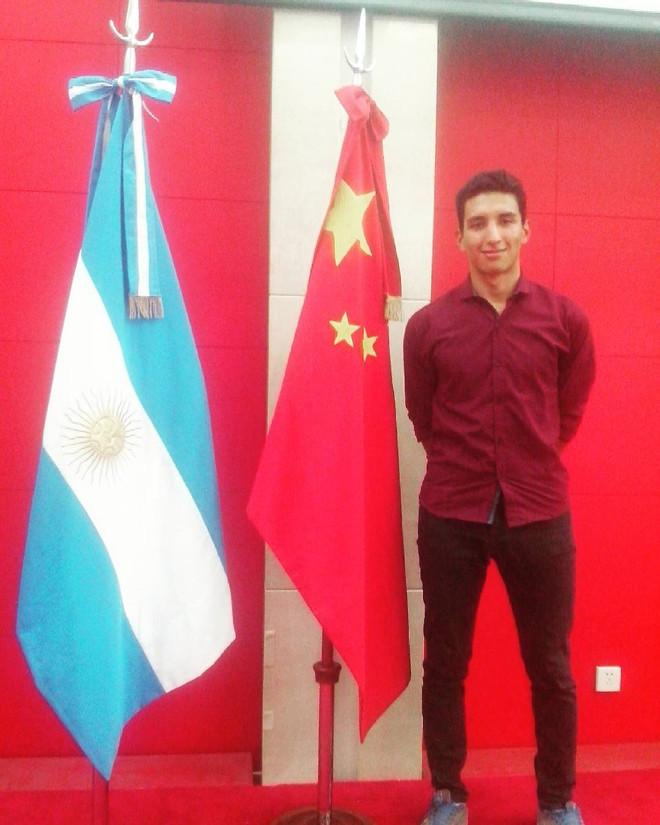 Un miembro de nuestra institución becado para estudiar en China.
