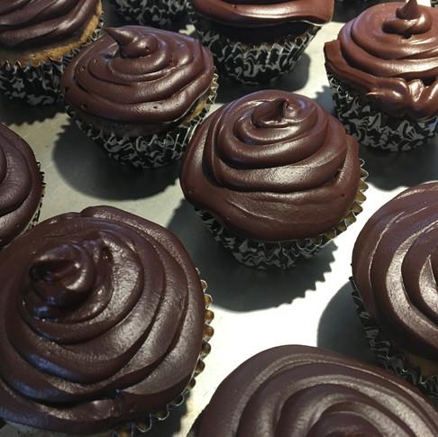 Cupcakes et glaçage chocolat