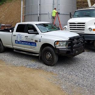 B3 Contracting Crew Pickup
