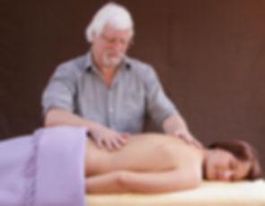 Forfatter samt udvikler, terapeut og uddannelsesleder i BevidsthedsBerøring.