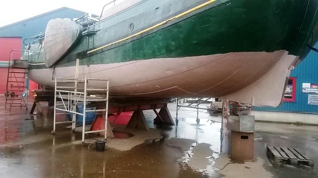 onderwaterschip courier stuurboordzijde 2014.jpg