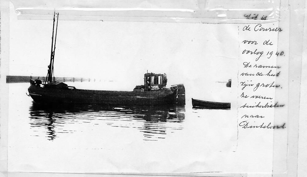courier met suikerbieten varend naar Dinteloord. Voor 1940.