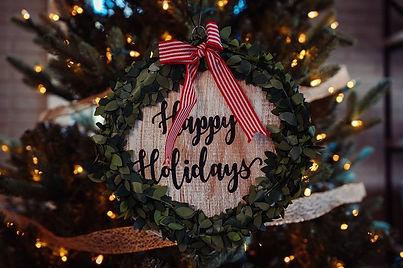 osman-rana-happy-holiday-unsplash-640x42