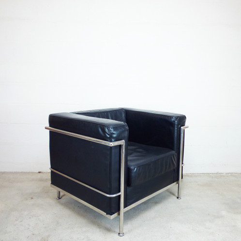 fauteuil en cuir style le corbusier nordik dna. Black Bedroom Furniture Sets. Home Design Ideas