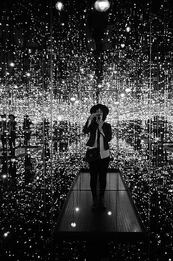 mirror room.jpg