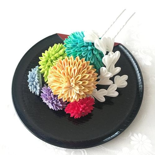 "Seasonal flower Kanzashi ""Ayagiku"""