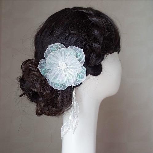 Jewel Flower 6 : White(silver wire)
