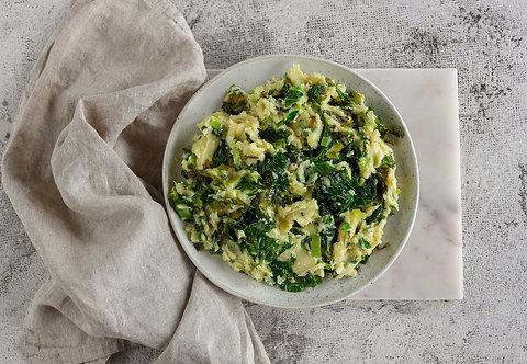Airiška bulvių košė su kale salotom (0,5 kg)