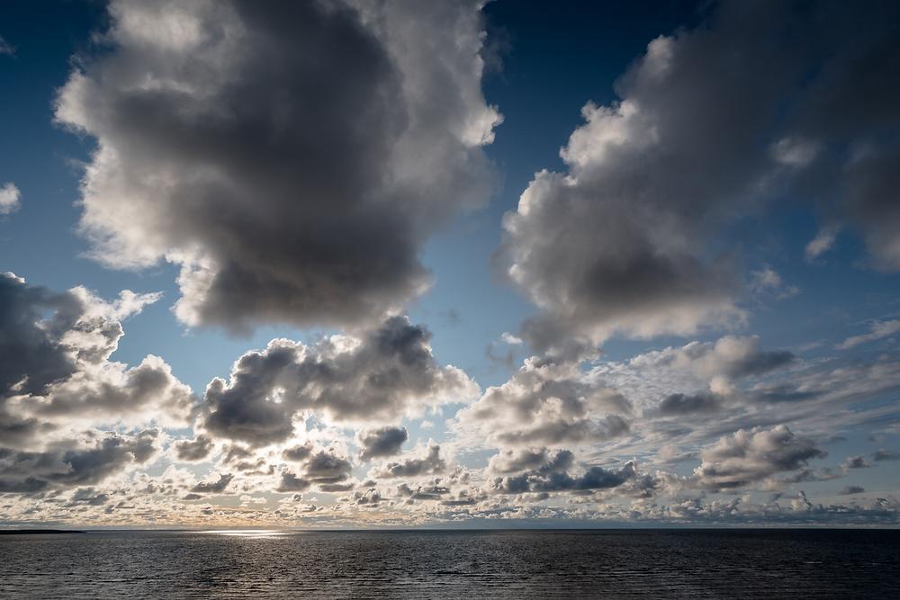 Saareme - Meer und Wolken
