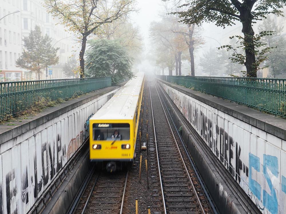 U-Bahn im Nebel