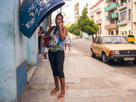 Öffentliche Telefone in Havanna