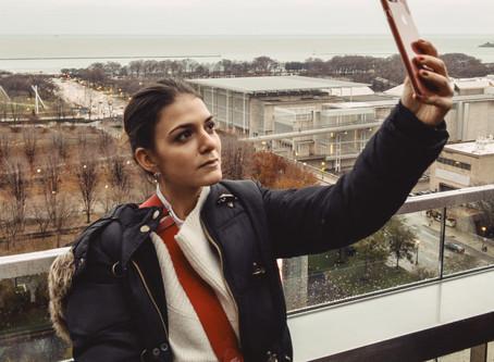 Mach Dich selbst zum Bild! Der Kulturwissenschaftler Wolfgang Ullrich schreibt über Selfies