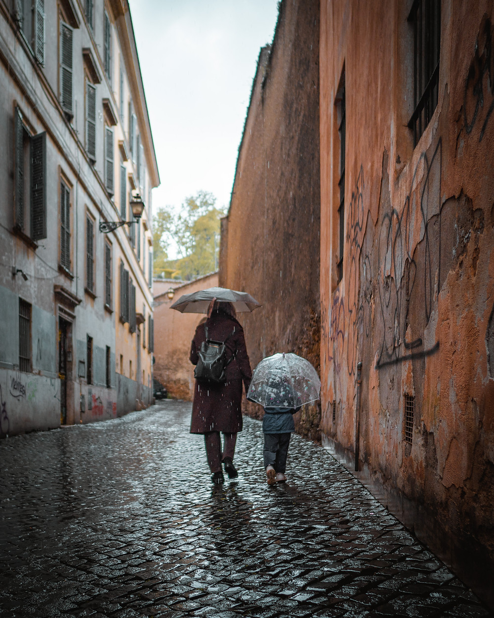 Umbrella, Mother with child, Rain, Rome, moody