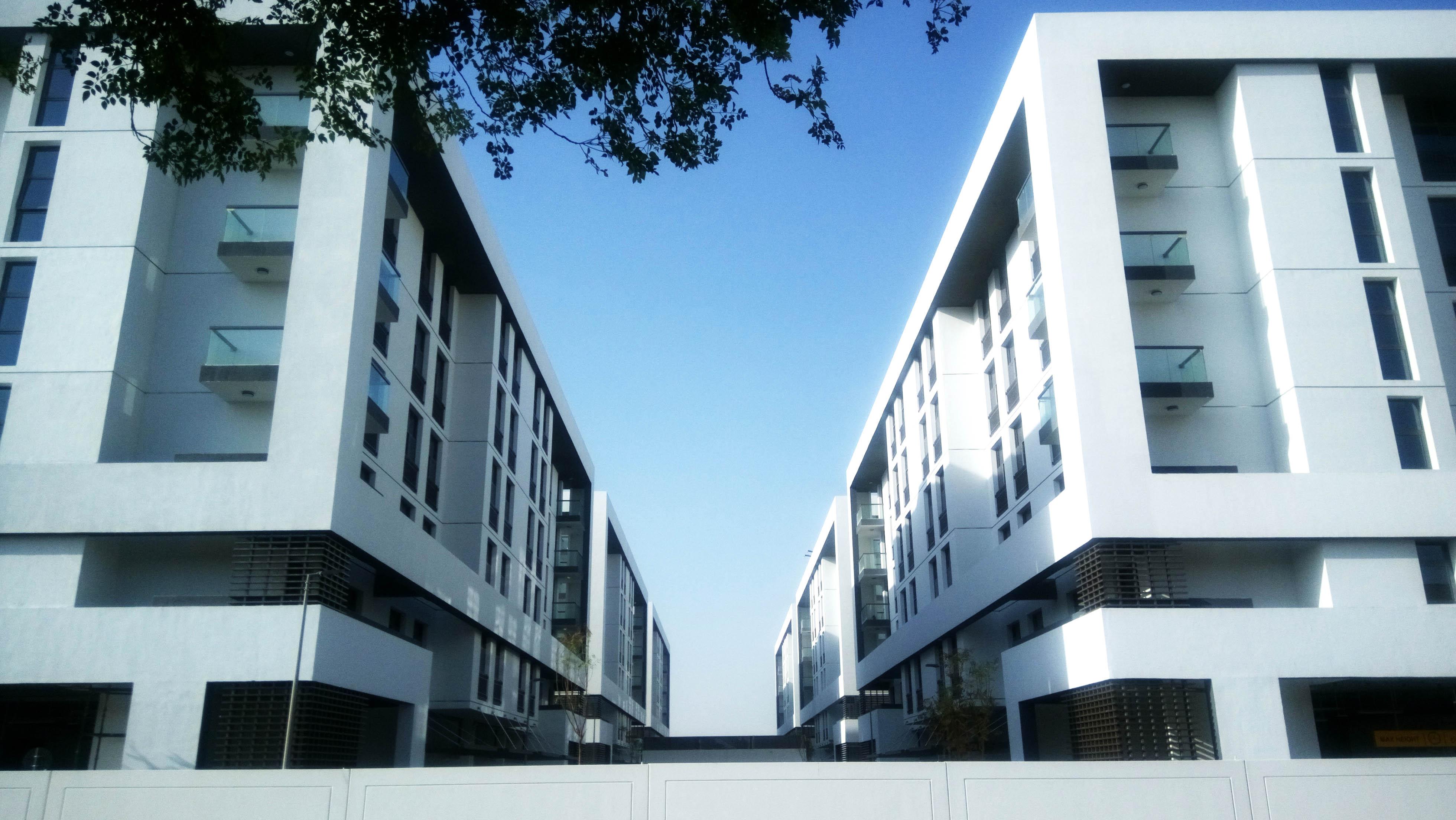 Midif housing