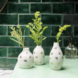 XDC 514 Queen Bee Vases