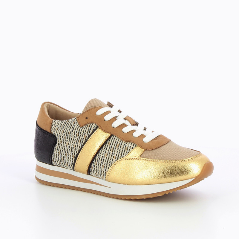 camel-and-gold-sneakers-with-side-stripe