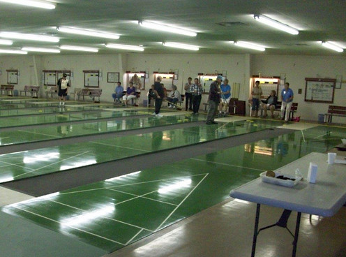 Shuffleboard tournament 001.jpg