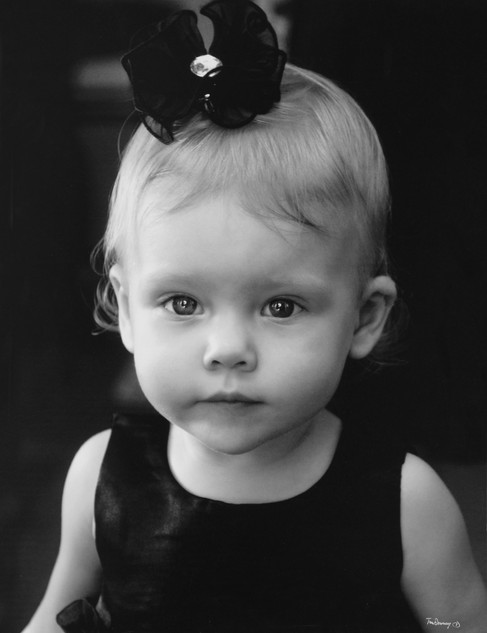 B&w Flower girl.jpg