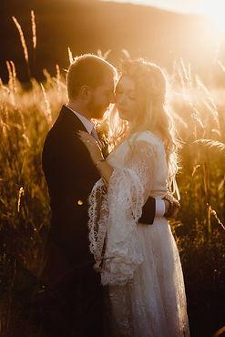 bohemian-bride-kissing-flora-and-lane-wi